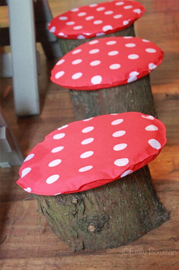 Toadstool-stools