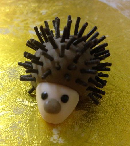 How To Make An Icing Hedgehog