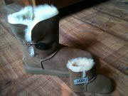Matching-Mother-Daughter-Uggs
