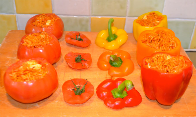 Inside-Stuffed-Peppers-&-Tomatoes
