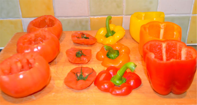 Stuffing-Peppers-&-Tomatoes