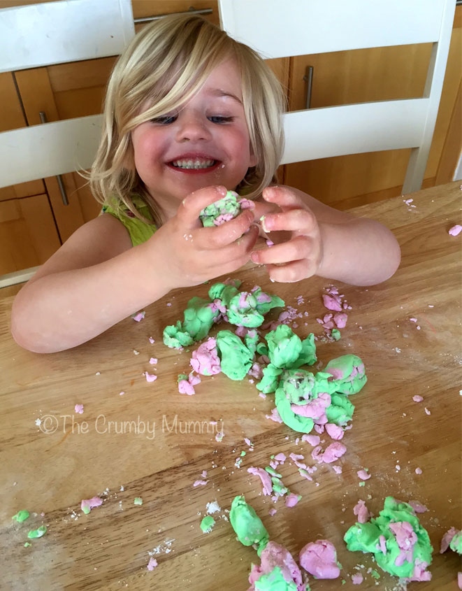 How-To-Make-An-Icing-Mess