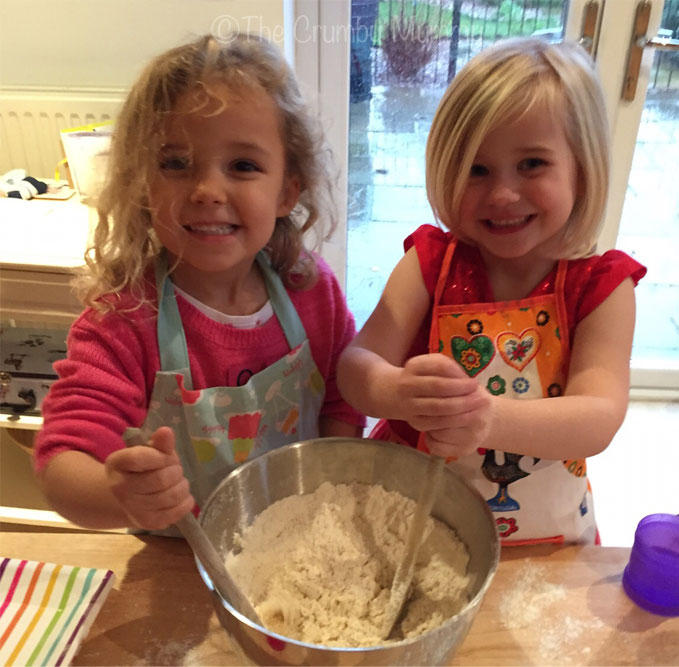 children baking biscuits