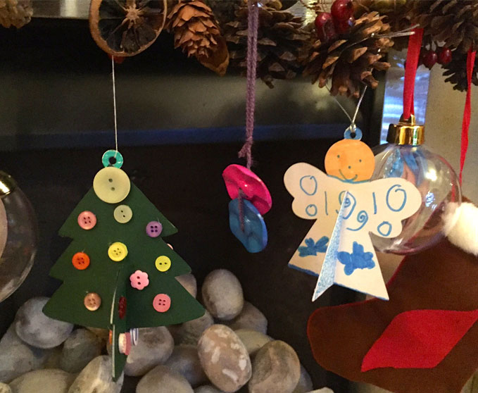 making christmas decorations with children