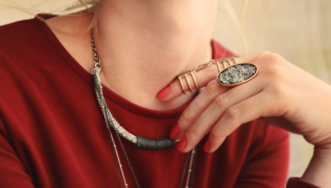 how to accessorise with chunky jewellery